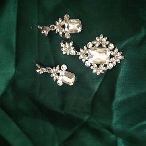 Jewelry - Fancy Pendant and Earring Set